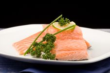 Free Salmon Fillet With Lime Royalty Free Stock Images - 18551989