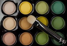 Free Eyeshadow Set With Cosmetic Brush Stock Photography - 18553872