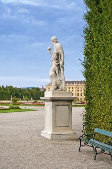 Free Statue In Schonbrunn Garden Stock Images - 18559144