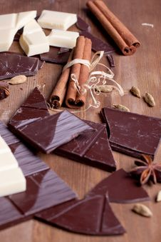 Free Chopped Chocolate And Spices Stock Photo - 18559480