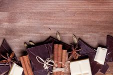 Chopped Chocolate And Spices Royalty Free Stock Photos