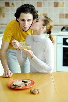 Free Couple Ot Kitchen Royalty Free Stock Image - 18560836