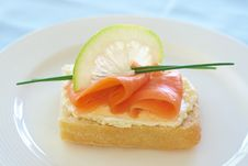 Free Smoked Salmon And Cream Cheese On White Bread Royalty Free Stock Photography - 18561607
