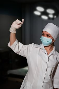 Free Surgeon Holding Nail For Osteosynthesis Stock Photos - 18564813