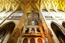 Free Cathedral Interiors Royalty Free Stock Photos - 18567218
