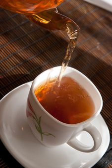 Free Tea Pouring Royalty Free Stock Photography - 18570287