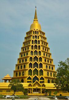 Free Gold Pagoda Stock Image - 18573261