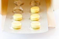 Free Pills Royalty Free Stock Image - 18575136