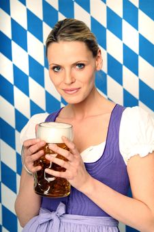 Free Bavarian Woman Royalty Free Stock Photo - 18576655