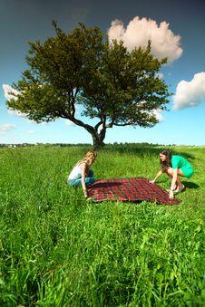 Free Girlfriends On Picnic Stock Image - 18577081