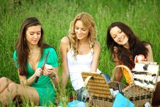 Free Girlfriends On Picnic Stock Photography - 18577142