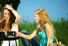 Free Girlfriends On Picnic Royalty Free Stock Photography - 18577267