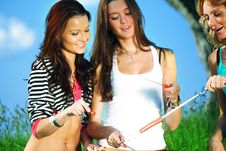 Free Girlfriends On Picnic Stock Images - 18577284