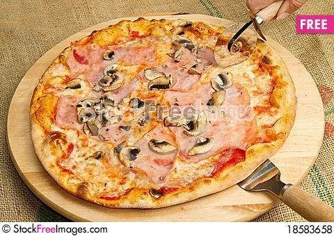 Free Italian Pizza Royalty Free Stock Photos - 18583658