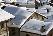 Free View Of Snowy Roofs Royalty Free Stock Images - 18590619