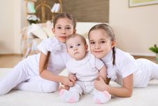 Free Twin Sisters Together At Home Stock Photo - 18590800