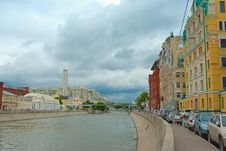 Free Moscow River Embankment Royalty Free Stock Photos - 18596488