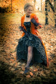 Free Baroque Girl Outdoor Stock Image - 18599581