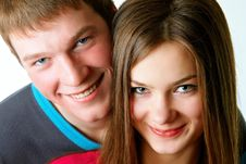 Free Portrait Of A Young Couple Royalty Free Stock Photo - 18599705
