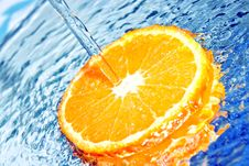Free Orange In Water Splash Royalty Free Stock Photography - 18600337