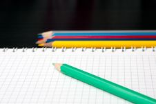 Free Sketchpad And Colored Pencils Royalty Free Stock Photo - 18609315
