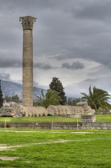 Free Temple Of Olympian Zeus In Athens Royalty Free Stock Photos - 18611408