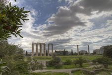 Free Temple Of Olympian Zeus In Athens Royalty Free Stock Image - 18611496