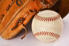 Free Baseball And Glove Stock Photo - 18614130