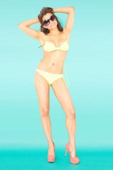 Free Bikini Girl Royalty Free Stock Photography - 18617347