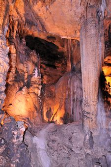 Free Subway Inside Luray Caves Royalty Free Stock Photo - 18617935