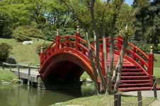 Free Red Japanese Bridge Royalty Free Stock Photography - 18618547