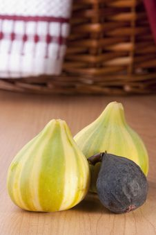 Free Ripe Fruits Of A Fig Royalty Free Stock Photography - 18625477