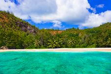 Free Tropical Beach At Seychelles Royalty Free Stock Images - 18638569