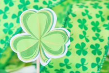 Free Shamrock And Ribbon Royalty Free Stock Photo - 18640045
