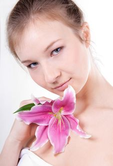 Free Close-up Of Beautiful Woman With Lily Flower Royalty Free Stock Images - 18640359