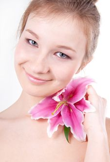 Close-up Of Beautiful Woman With Lily Flower Royalty Free Stock Photos