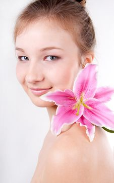 Free Close-up Of  Teenage Girl With Lily Flower Royalty Free Stock Photography - 18640797