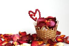 Free Basket With Petals Of Roses Stock Photos - 18642503