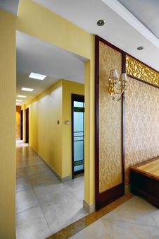 Free Interior Corridor Royalty Free Stock Images - 18650109