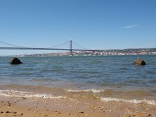Free Tagus River And The 25th April Bridge Stock Photography - 18661592