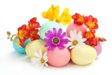 Free Colorful Easter Eggs With Spring Flowers Stock Photography - 18665482