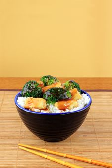 Free Stir Fried Tofu And Broccoli Stock Photos - 18670113