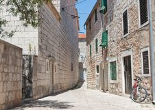 Free City Scene In Stari Grad Royalty Free Stock Photography - 18671527