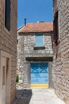 Free City Scene In Stari Grad Royalty Free Stock Photography - 18671537