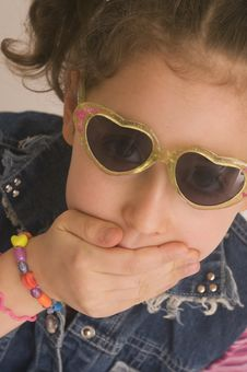 Free Young Girl With Sunglasses Royalty Free Stock Photos - 18672468