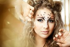 Free Girl With An Unusual Make-up As A Leopard Royalty Free Stock Photography - 18680577