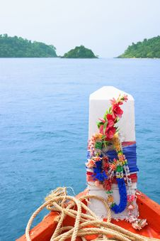 Free Bow Of A Boat Heading To Islands Stock Image - 18682271