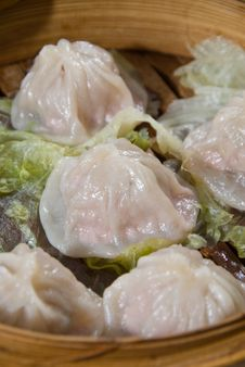 Free Steamed Dumplings Stock Photography - 18682592