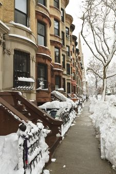 Free Rounded Brownstones In Snow Stock Photos - 18682753