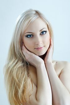 Free Beauty Blonde In Cold Colours Royalty Free Stock Image - 18689596
